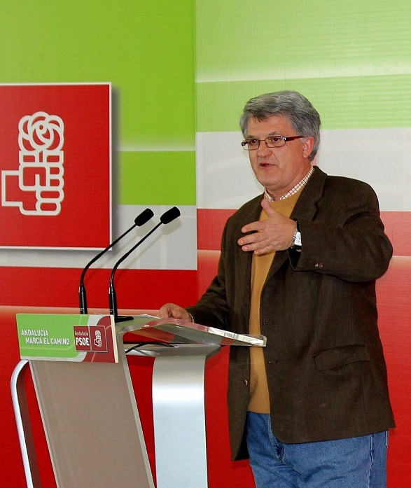 Prados afirma que el 'Plan Extraordinario de Acción Social' de la Junta puede ayudar a muchas familias de Almuñécar y La Herradura