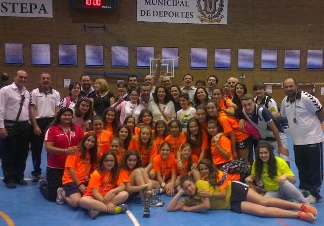 Las pequeñas del Club Balonmano Almuñecar se proclaman Campeonas de Andalucía en la localidad Sevillana de Estepa