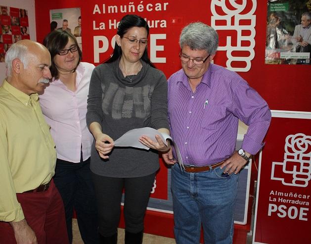 El Ayuntamiento de Almuñécar firma el convenio del 'Programa Andaluz en Defensa de la Vivienda'