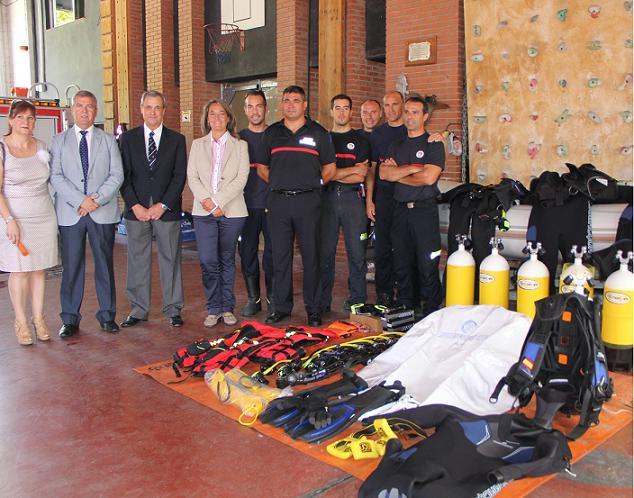 El cuerpo de Bomberos de Motril incorpora a sus filas un grupo de salvamento y rescate subacuático