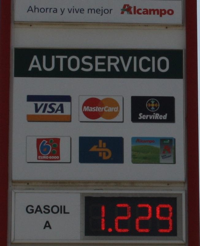 La gasolinera Alcampo Motril arrasa con el precio del gasoil