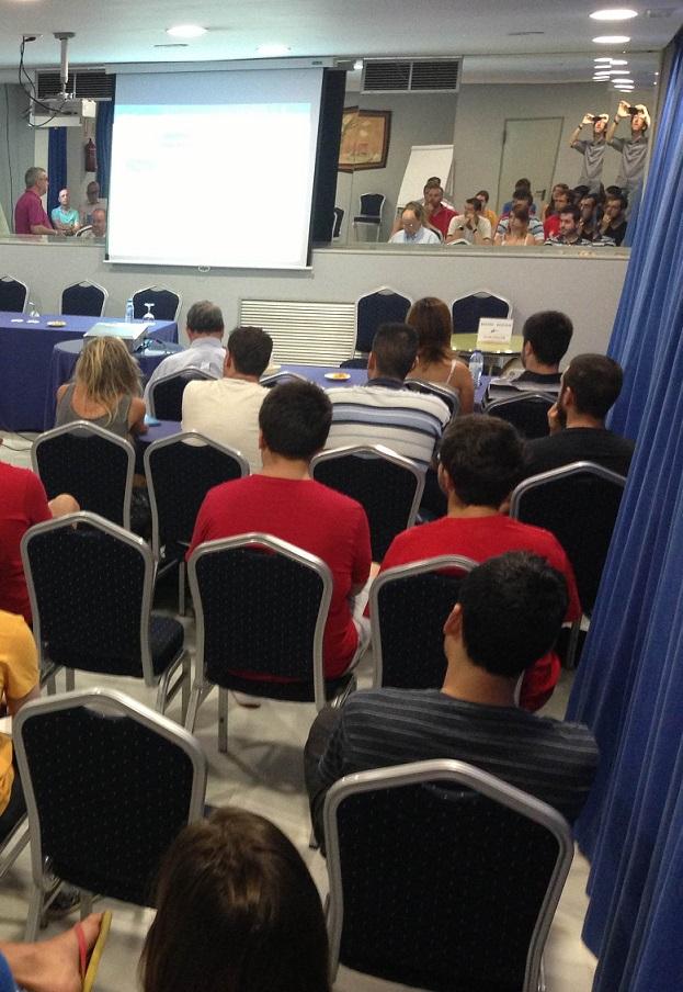 Mateo Valero participa en el curso Tendencias en la Ingeniería de Computadores de la UGR