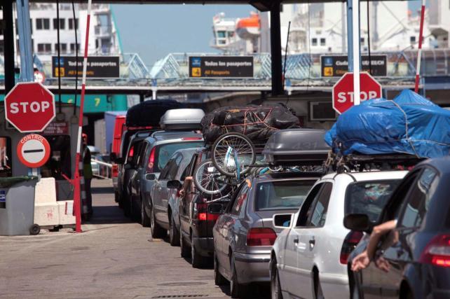 Un 20% menos de pasajeros en la Operación Paso del Estrecho en el puerto de Motril