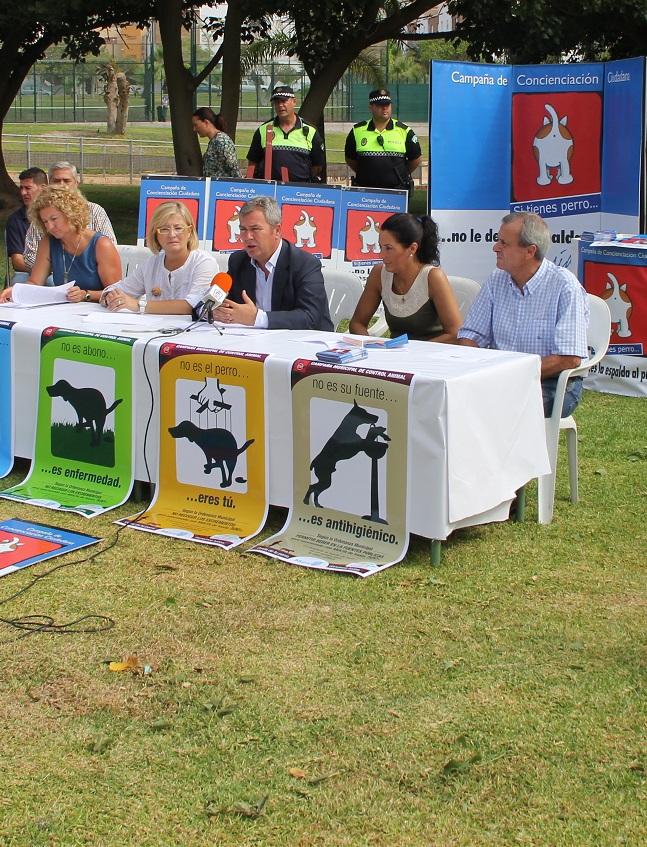 Limdeco reactiva la campaña de recogida de excrementos de perro con la implicación transversal de otras áreas municipales