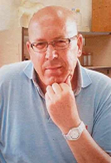 CARLOS ANTONIO MADRID MUÑOZ,  PASIÓN POR LA PINTURA, EXPONE EN SALOBREÑA