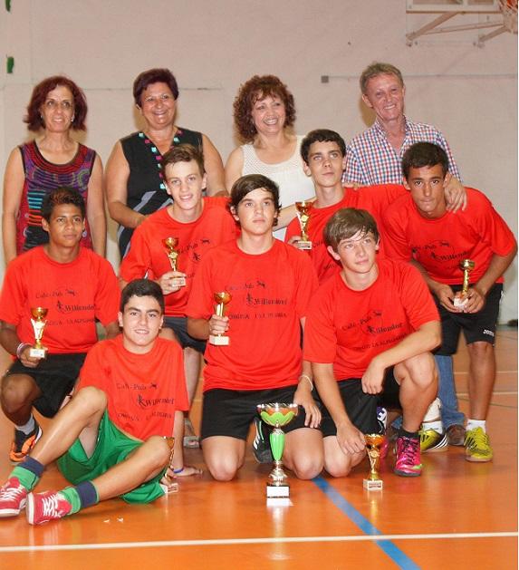 Casi un centenar de jóvenes participan en el II Torneo de Fútbol Sala Pezqueñines