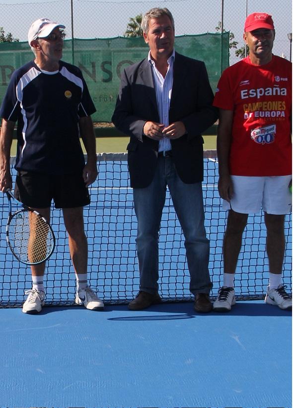 El Ayuntamiento de Motril repara las pistas municipales de tenis con una inversión de 10.000 euros