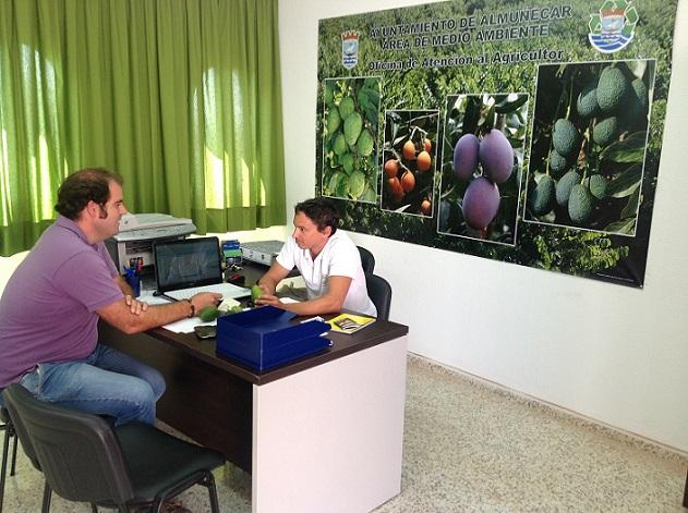 Almuñécar abre  la Oficina de Atención al Agricultor afectados por la tormenta de granizo