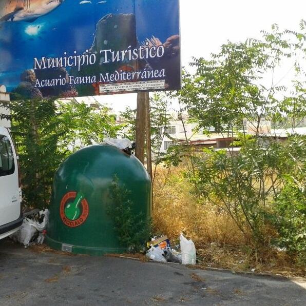 Los andalucistas denuncian la falta de limpieza en Almuñécar durante el verano