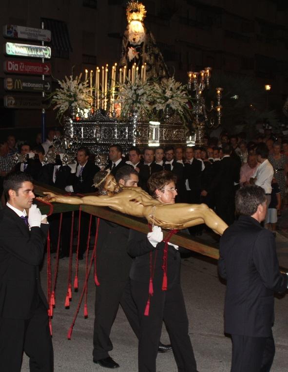 La Herradura vivió el 25 aniversario de la Cofradía de la Penitencia y Gloria