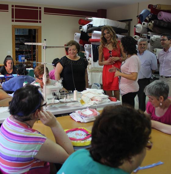 Una docena de motrileños comienzan sus prácticas en centros de Aprosmo como cuidadores de personas con discapacidad