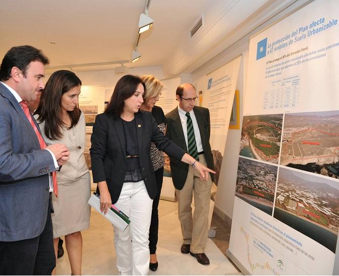 La Junta muestra en una exposición el Plan de Protección del Litoral de la Costa de Granada