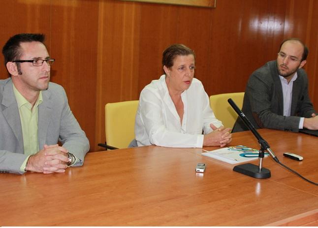 El Ayuntamiento de Almuñécar y la empresa granadina Intelligenia firman un convenio para la venta de entradas on line  de los espectáculos culturales
