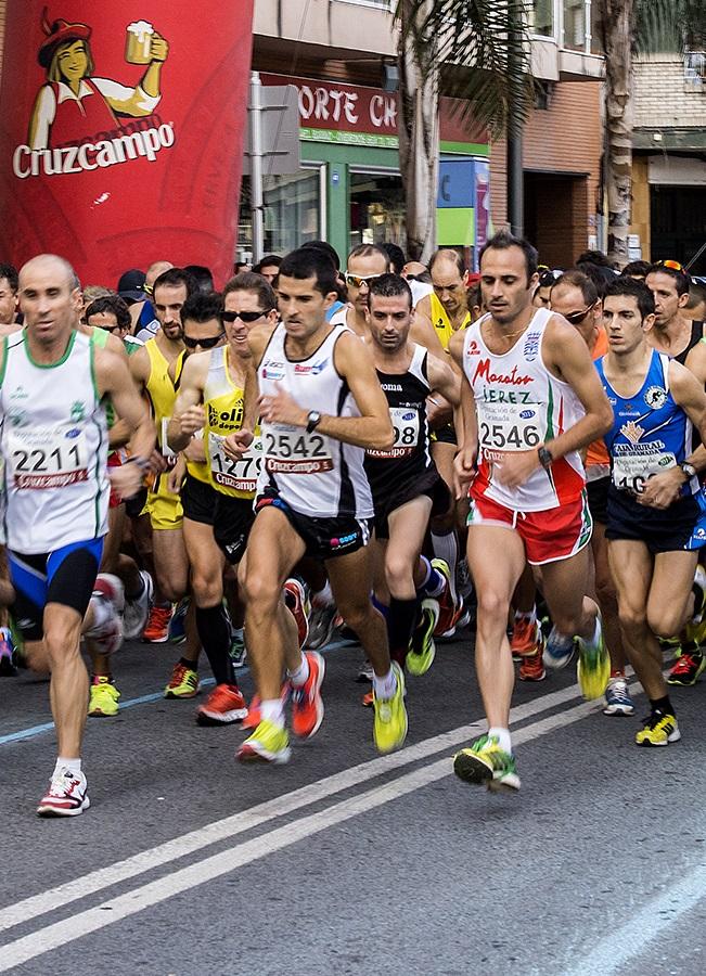 Miguel Beltrán ganador de la Media Maratón Ciudad de Motril en 1 hora y 9 minutos