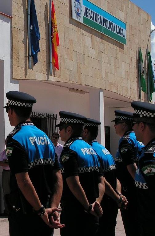 La policía local de Salobreña quiere el mismo tratamiento que los demás funcionarios municipales