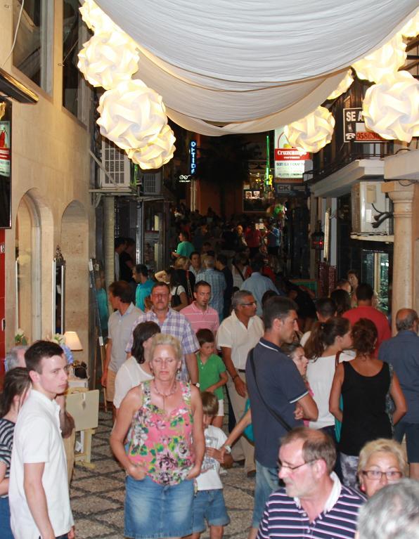 El comercio de Almuñécar y La Herradura  podrá reembolsar el IVA a los turistas de países fuera de la UE