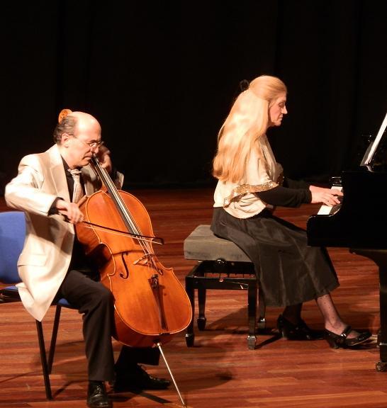 l Dúo Stradivari ofreció un recorrido por las distintas épocas de la música clásica