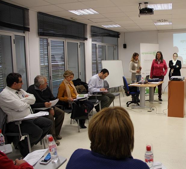 Alcaldes, técnicos y entidades sociales de la Costa abordan el desarrollo de la Vega del Guadalfeo