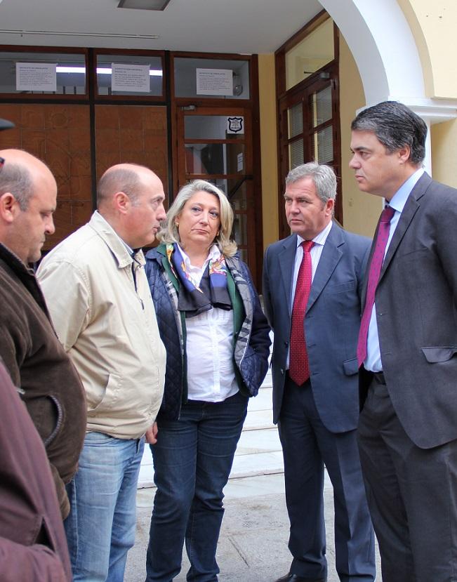 Los agricultores sexitanos reciben el apoyo de la Mancomunidad de la Costa Tropical y del PP andaluz
