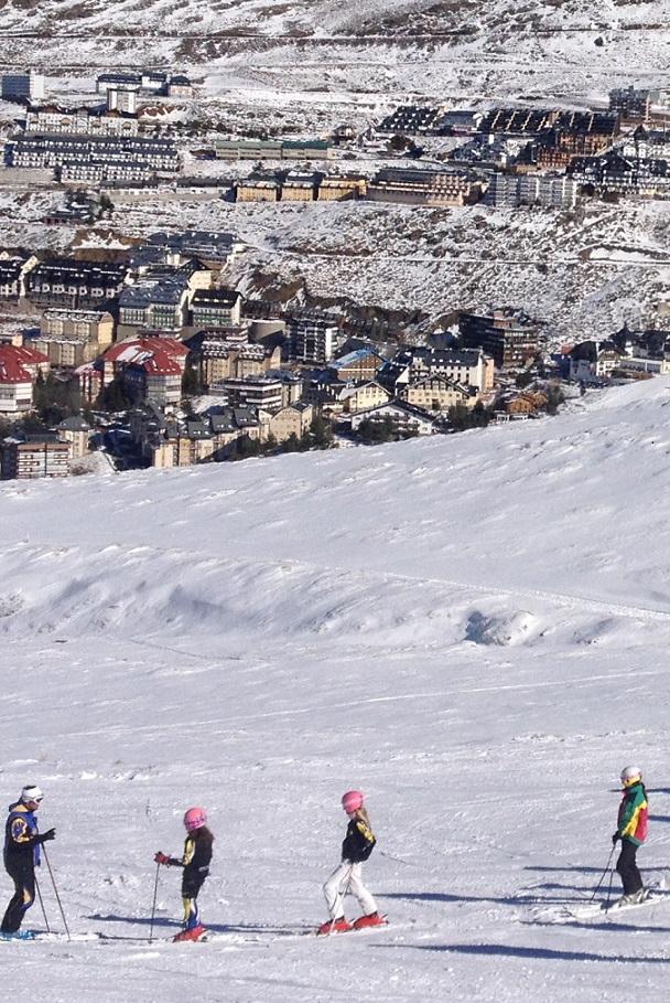 Sierra Nevada prepara Loma de Dílar  y produce nieve en las 'negras'