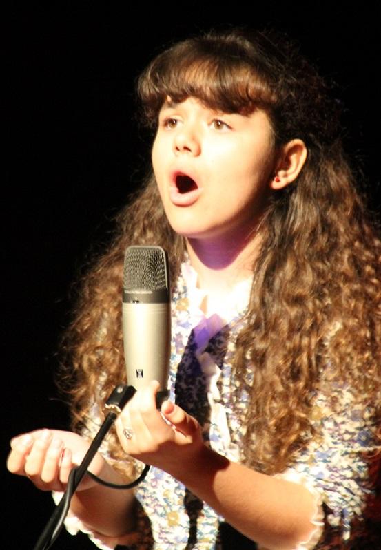 La pequeña soprano Lucía García Guerrero ofreció en Almuñécar  un bello concierto