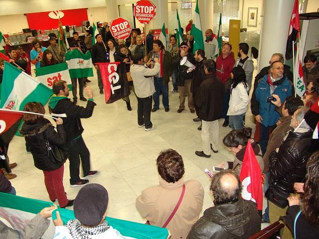 CGT se une a las reivindicaciones de Stop Desahucios por los suministros básicos