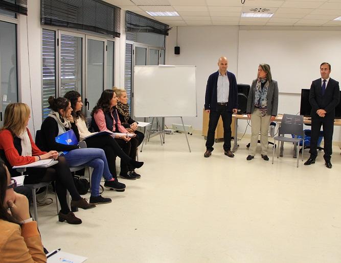 Un taller de coaching incentiva las habilidades de liderazgo entre los jóvenes de Motril