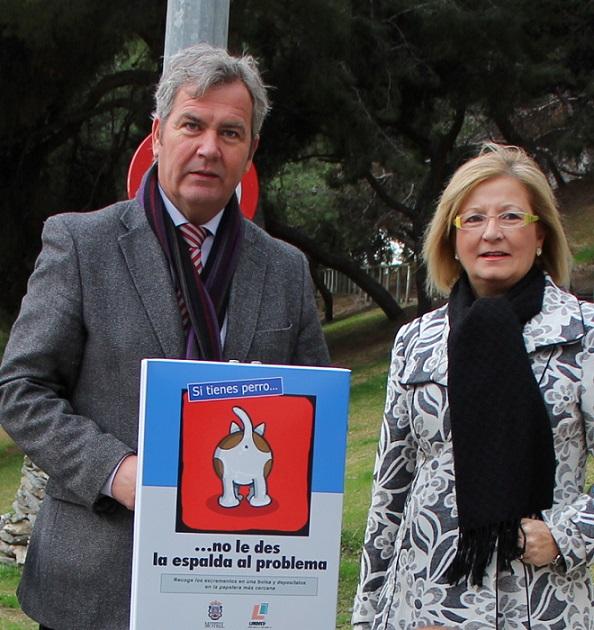 Limdeco instalará carteles para concienciar a la población sobre la obligación de retirar los excrementos de sus mascotas