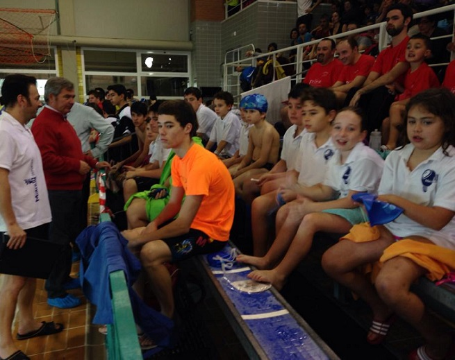 Gran xito de participaci n en la final del campeonato for Piscina municipal motril