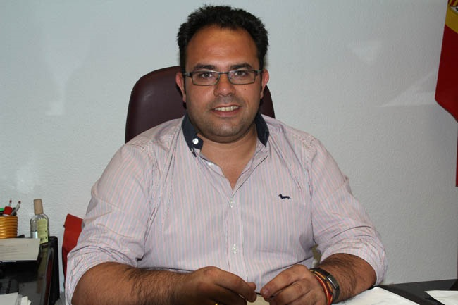 "Ruiz Joya califica a CA sobre la bajada del Padrón municipal de"" rabieta por la pérdida de credibilidad de Benavides"""