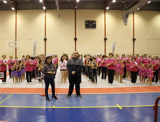 Salobreña celebra una jornada de exhibición de la Escuela Municipal de Gimnasia Rítmica