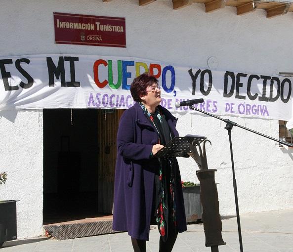 Órgiva celebra la mani-fiesta-acción reivindicando la igualdad y el derecho a decidir