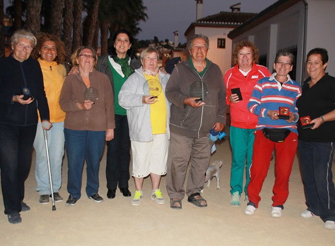 Evelyn Baudín y Maisy Goetzinger ganan el Torneo de Petanca del Día de la Mujer de Almuñécar