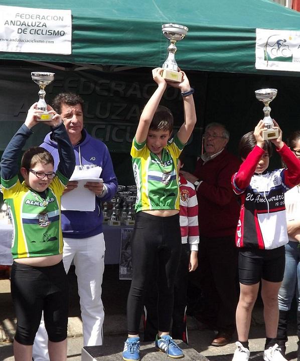 La Escuela de Ciclismo Sexitana triunfó en Carmona