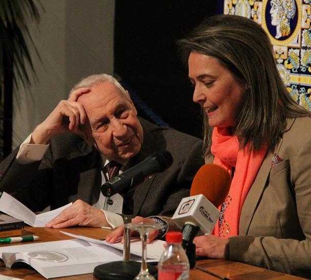 El Ayuntamiento edita 'El litoral motrileño' de José López Lengo