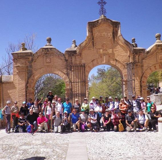 Senderistas sexitanos recorrieron la ruta desde  cara norte de Sierra Nevada hasta el Sacromonte