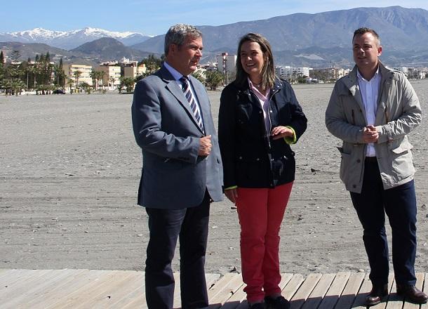 El litoral motrileño se pone a punto para la primera cita turística de la temporada