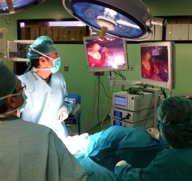 En el hospital de Motril se aplica cirugía laparoscópica para el cáncer colorectal