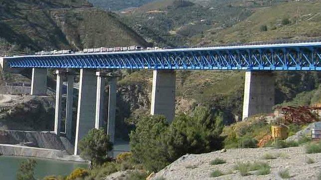 Las obras del viaducto de Rules en la A-44 continuarán en Semana Santa
