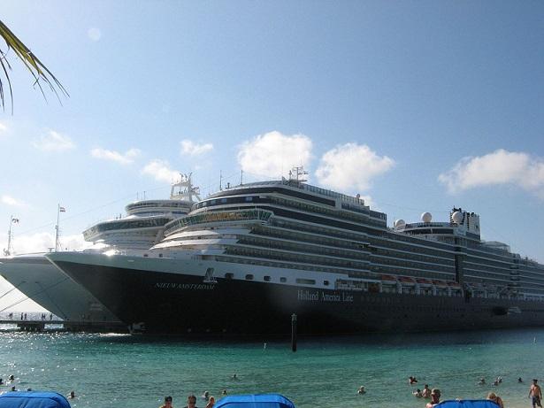 El jueves atraca en el Puerto de Motril el mayor crucero de su historia