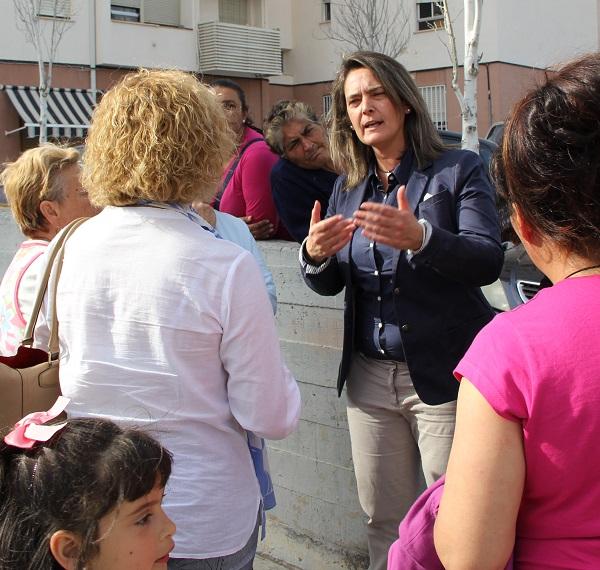 Vecinos y concejales mejorarán el aspecto de Cuartel de Simancas a través de la campaña 'Cuidemos nuestro barrio'