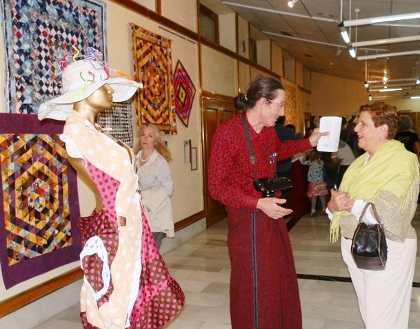La Casa de la Cultura sexitana acoge una exposición Arte Textil  Experimental