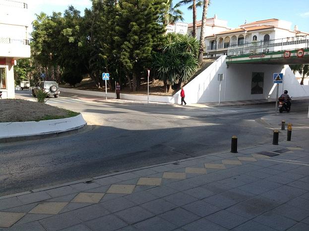 El Ayuntamiento de Almuñécar pedirá permiso a Carreteras para reordenar la calle Molvízar