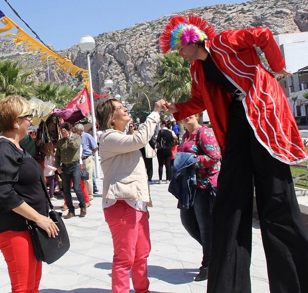 Vecinos y visitantes disfrutarán durante la Semana Santa de un mercado nazareno como complemento turístico