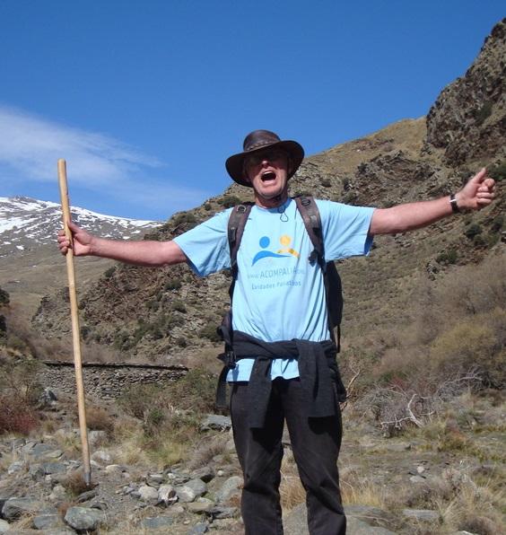 Chris Stewart completará la ruta Integral 3000 en Sierra Nevada para recaudar fondos para Acompalia