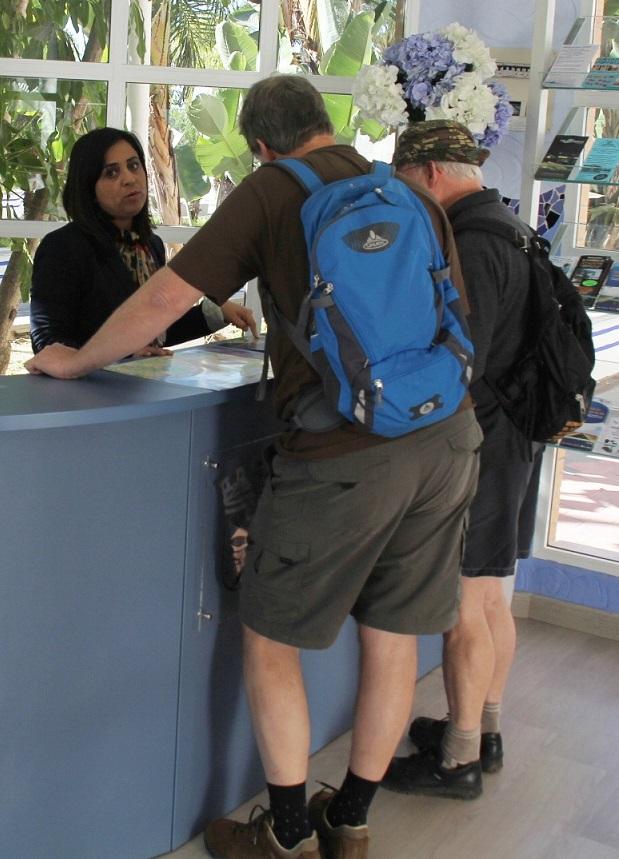 Las oficina de turismo de Almuñécar recibieron más 23.000 visitas en el primer cuatrimestre del año