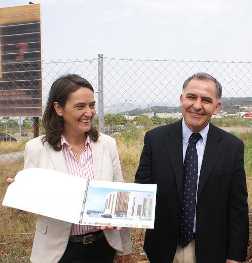 Subdelegado y alcaldesa de Motril buscarán en Madrid una solución a línea Melilla Motril
