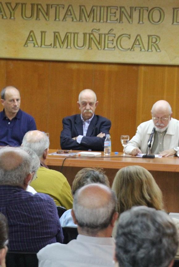 Brillante presentación de Jesús Serrano sobre la obra poética de  Tomás Hernández