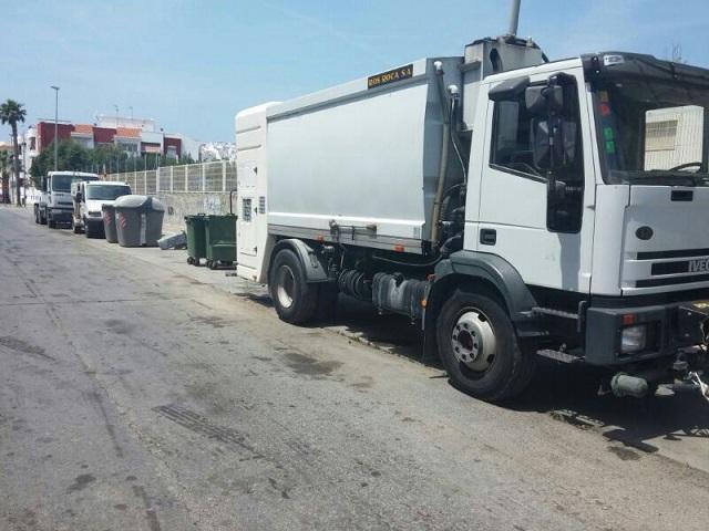 El PP de Salobreña denuncia el uso de las calles de la Villa como lavadero de camiones de basura