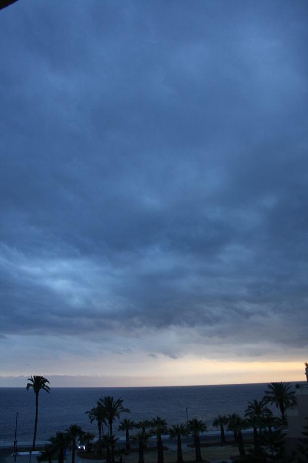 Domingo nuboso con máximas de 21 grados. A partir del martes vuelve el verano